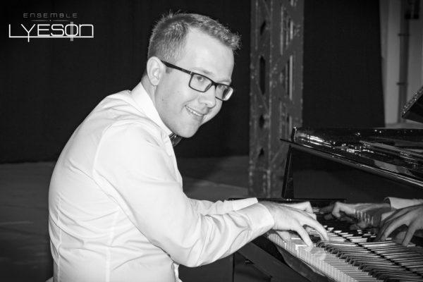 Pianist Matej Dzido