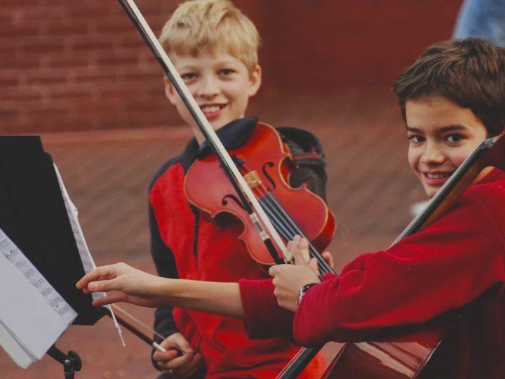 Wie kann ich mein Kind zum Instrument lernen motivieren?